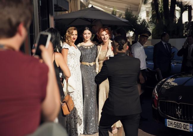 Ai cũng phải trầm trồ trước vẻ kiêu sa khó cưỡng của Lý Nhã Kỳ trên thảm đỏ LHP Cannes - Ảnh 6.