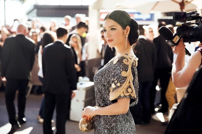 Ai cũng phải trầm trồ trước vẻ kiêu sa khó cưỡng của Lý Nhã Kỳ trên thảm đỏ LHP Cannes - Ảnh 7.
