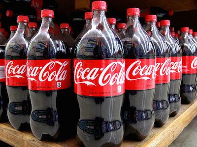 Coca-Cola Venezuela ngừng hoạt động vì thiếu đường
