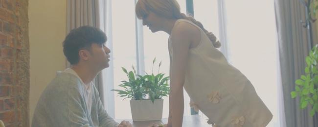 Andrea bất ngờ xuất hiện và... có bầu với Yanbi trong MV mới làm rộ nghi vấn tái hợp - Ảnh 5.
