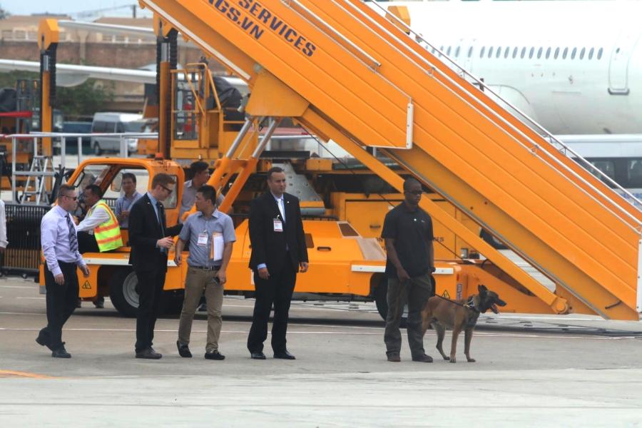 Chó nghiệp vụ, những 'sĩ quan' đặc biệt bảo vệ Tổng thống Obama tại Việt Nam - ảnh 1