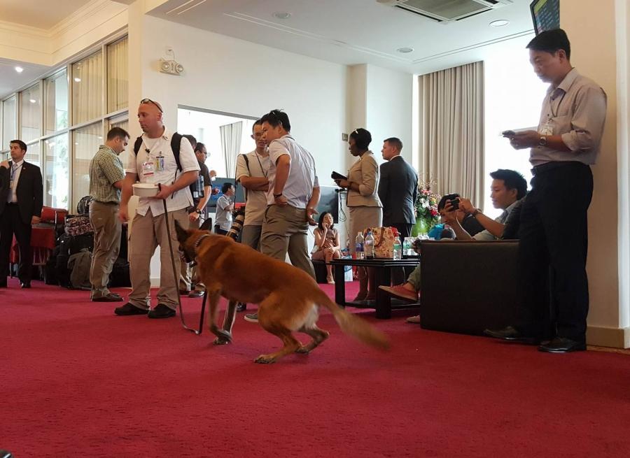 Chó nghiệp vụ, những 'sĩ quan' đặc biệt bảo vệ Tổng thống Obama tại Việt Nam - ảnh 5