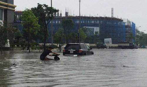 Ô tô ngập nước, cư dân khu đô thị mới thiệt hại tiền tỷ - ảnh 1