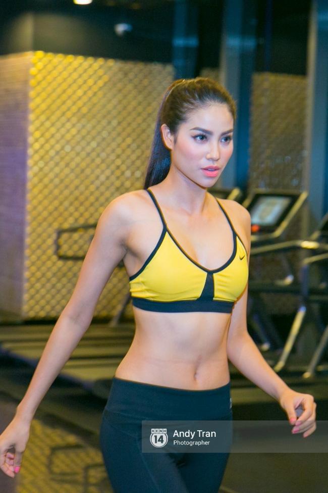 Clip: Phạm Hương nhảy sexy, nhắn nhủ Quỳnh Mai trước khi vào The Face - Ảnh 7.