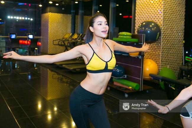 Clip: Phạm Hương nhảy sexy, nhắn nhủ Quỳnh Mai trước khi vào The Face - Ảnh 11.
