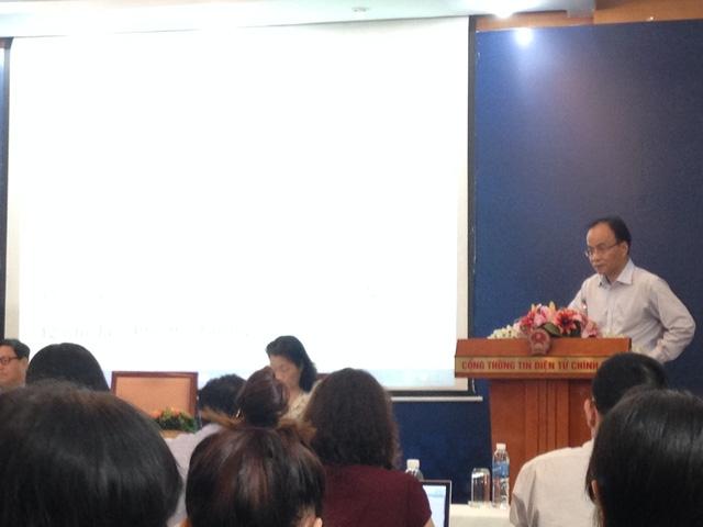 Phó Chủ nhiệm Văn phòng Chính phủ Lê Mạnh Hà phát biểu tại cuộc họp.