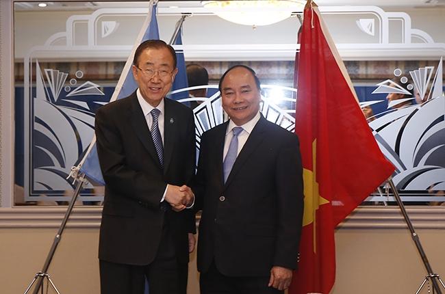 Tổng Thư ký Ban Ki Moon ủng hộ việc giữ gìn hòa khí trên Biển Đông, mong ASEAN và Trung Quốc hợp tác để thực hiện đầy đủ DOC, sớm hoàn tất COC.