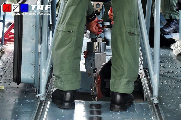 Truc thang Mi-17 Viet Nam co kha nang chua chay tuyet voi-Hinh-5