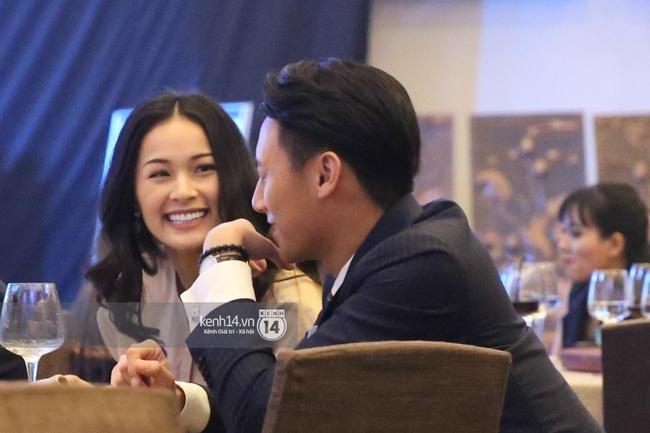 Dàn sao Việt xúng xính váy áo dự sự kiện của Ngô Thanh Vân - Ảnh 4.