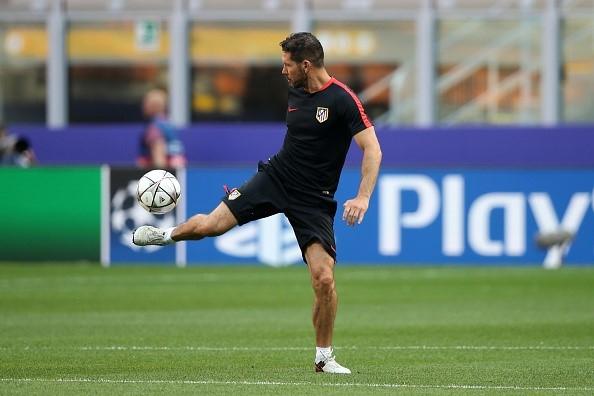 Khong phai Ronalo va Bale, Simeone so nhat mot tien ve Real hinh anh 1