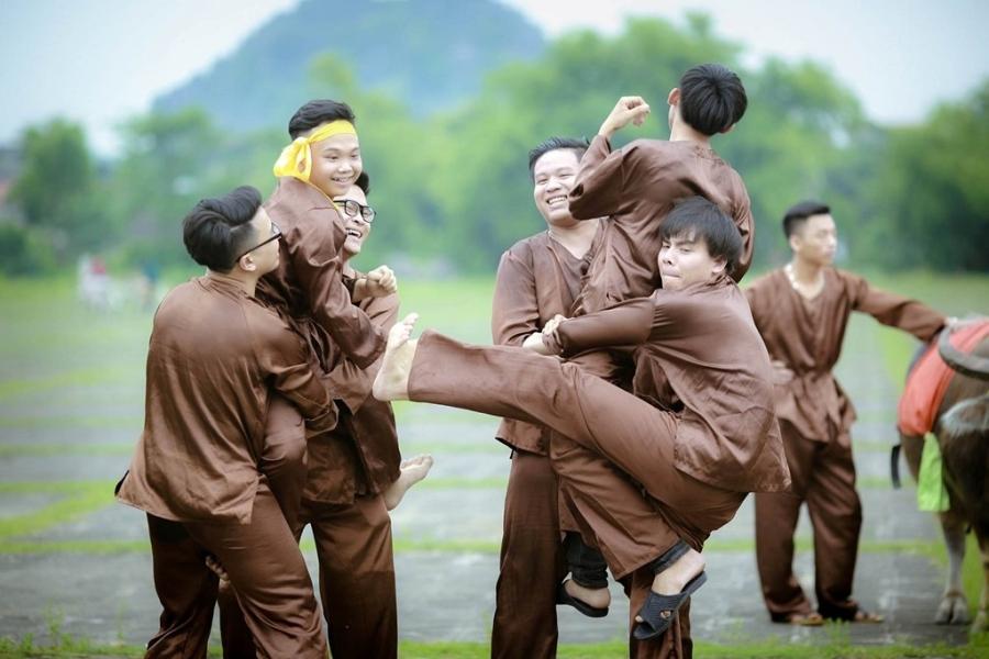 Teen Ninh Binh tai hien vua Dinh Bo Linh trong anh ky yeu hinh anh 2