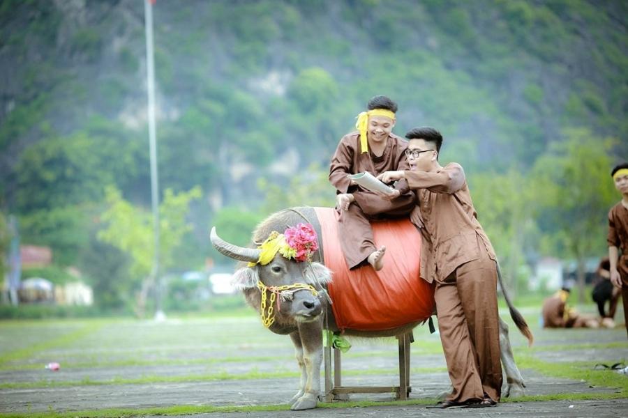Teen Ninh Binh tai hien vua Dinh Bo Linh trong anh ky yeu hinh anh 6