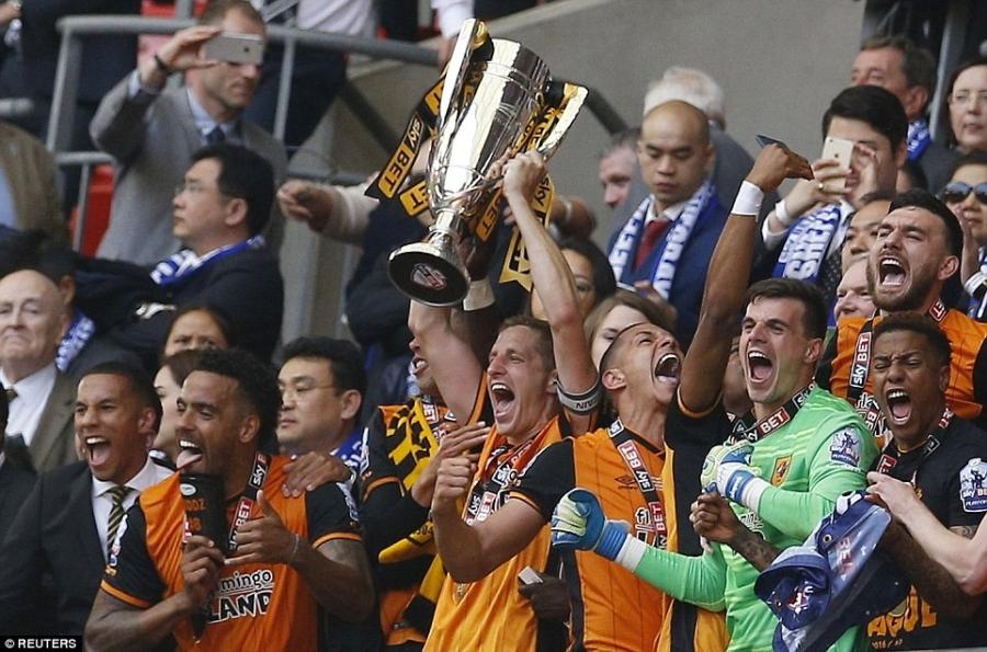 Hull City tro lai NH Anh sau tran cau dat gia nhat the gioi hinh anh 8