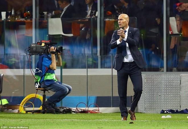Khong phai thien tai, nhung Zidane dang dan vi dai hinh anh 1