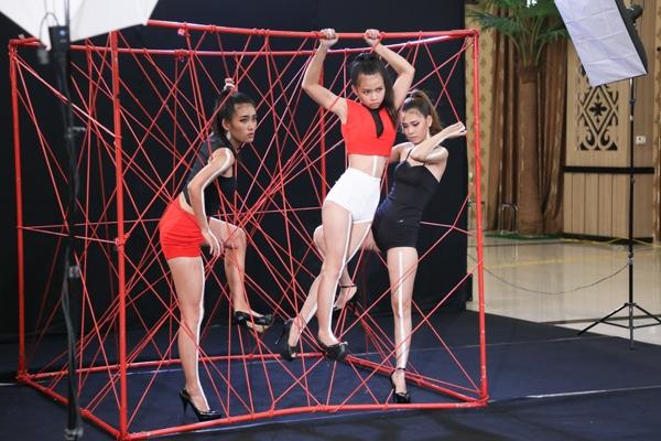 mau-cao-1m57-bat-ngo-lot-qua-vong-so-khao-top-model-4