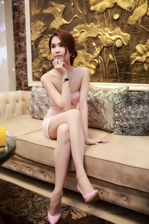 ngoc-trinh-ho-bao-vong-1-sexy-tai-su-kien-5
