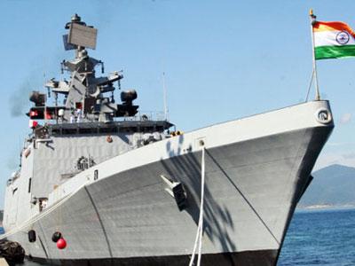 Hai tàu chiến Ấn Độ đầu tiên vào vịnh Cam Ranh