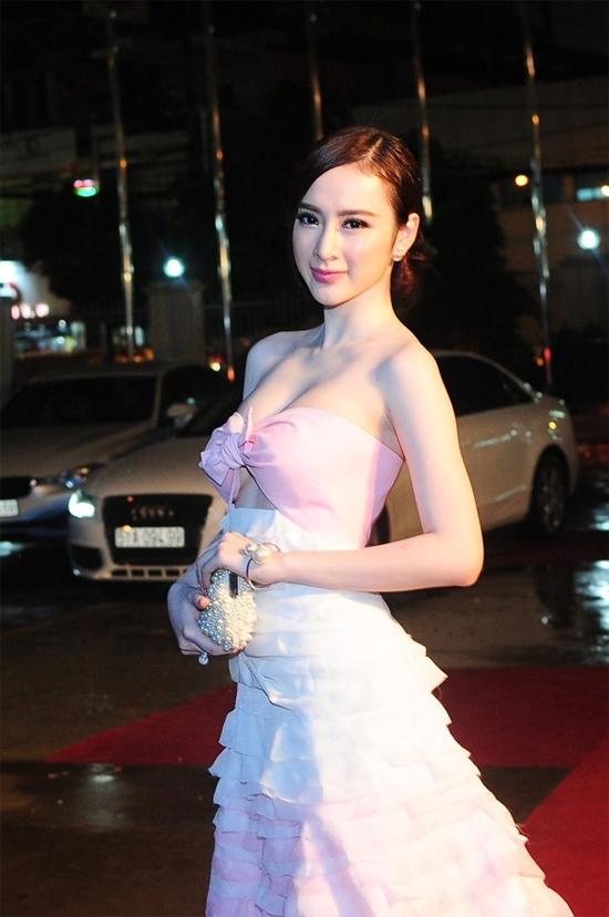 Đây là 9 trang phục gây nóng mắt nhất của Angela Phương Trinh - Ảnh 6.