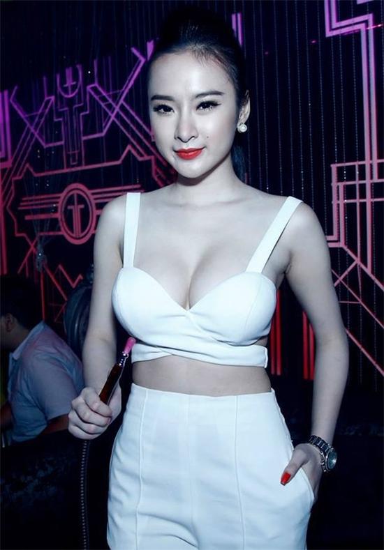 Đây là 9 trang phục gây nóng mắt nhất của Angela Phương Trinh - Ảnh 7.