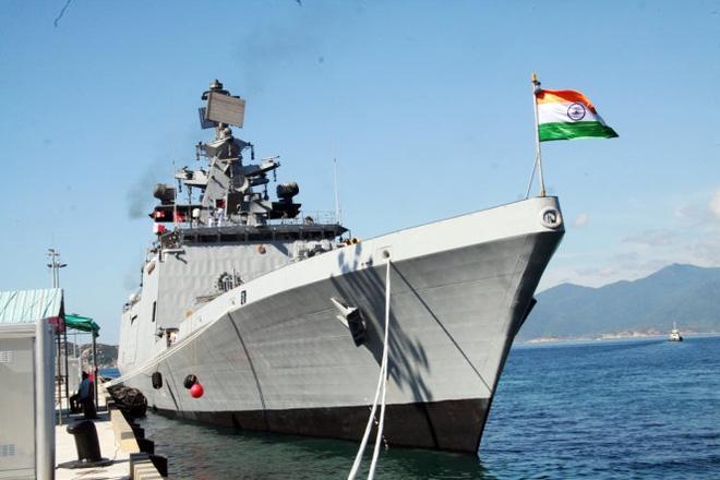 Hai tàu chiến Ấn Độ đầu tiên vào vịnh Cam Ranh  - Ảnh 4.