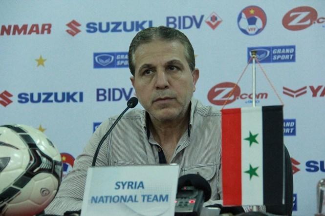 HLV trưởng Syria Ayman Alhakim trả lời báo chí sáng 30.5 /// Lê Nam