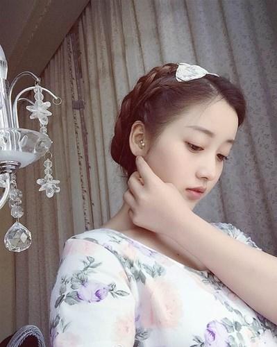 Hot girl 18 tuổi Trung Quốc khiến dân tình mê mệt vì xinh như nữ thần - Ảnh 3.