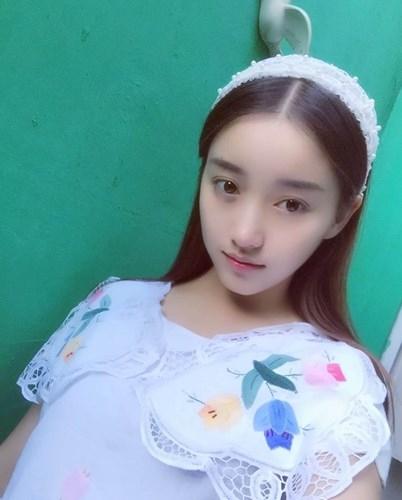 Hot girl 18 tuổi Trung Quốc khiến dân tình mê mệt vì xinh như nữ thần - Ảnh 9.