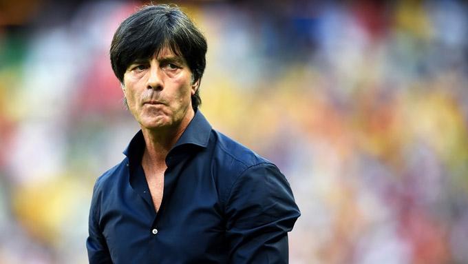 Loew lo ngại hàng thủ tuyển Đức