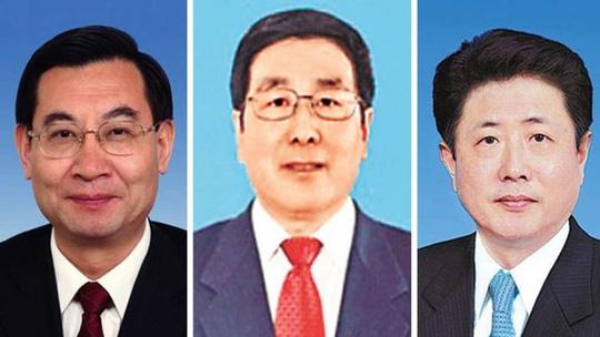 Ông Hồ Hòa Bình (trái), Lâm Đạc (giữa) và Vương Tiểu Hồng Ảnh: SCMP