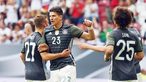ĐT Đức: Điểm sáng Mario Gomez