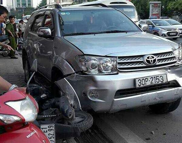 tai nạn giao thông, đâm xe liên hoàn, Xã Đàn