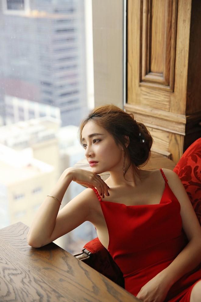 Nha Phuong goi cam hon nho vay yem hai day hinh anh 6