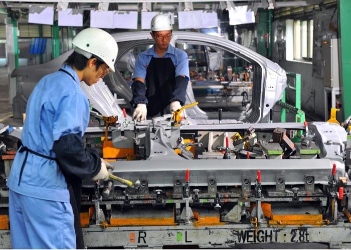 xe lắp ráp trong nước, xe nhập khẩu, mua ô tô, thị trường ô tô Việt Nam, xe ngoại, người Việt Nam mua ô tô