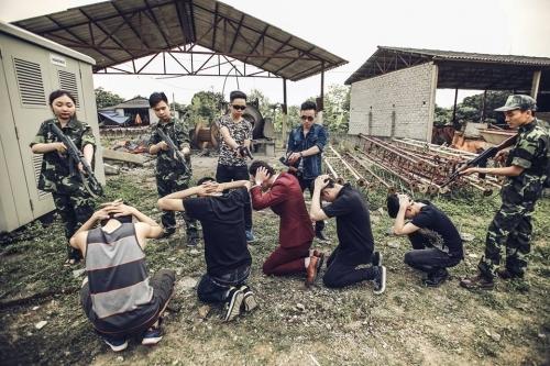 Phát sốt ảnh kỷ yếu 'giải cứu mỹ nhân' của học sinh Ninh Bình - Ảnh 5