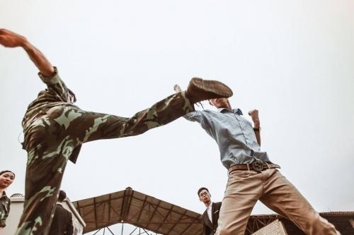 Phát sốt ảnh kỷ yếu 'giải cứu mỹ nhân' của học sinh Ninh Bình - Ảnh 8