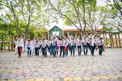 Phát sốt ảnh kỷ yếu 'giải cứu mỹ nhân' của học sinh Ninh Bình - Ảnh 13