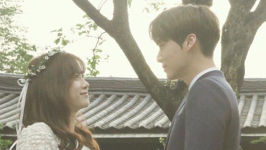 Rò rỉ hình ảnh hiếm hoi bên trong đám cưới của Goo Hye Sun - Ahn Jae Hyun - Ảnh 2.