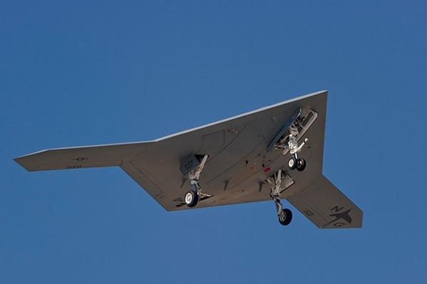 Mẫu thử nghiệm máy bay tấn công không người lái X-47B. Ảnh: Hải quân Mỹ