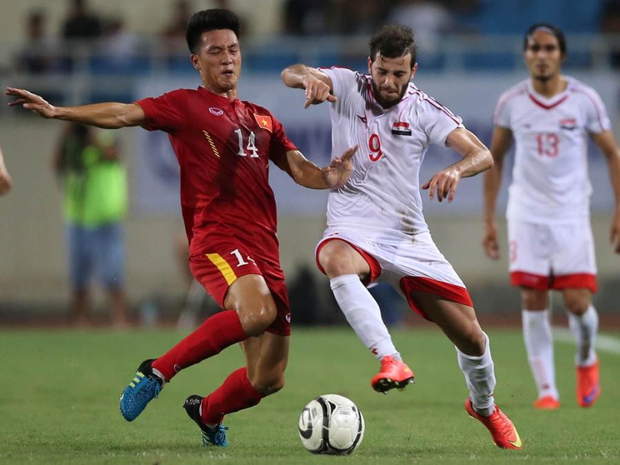 Đội tuyển Syria tranh chấp không tốt trong trận đấu tối 31/5 (ảnh: Gia Hưng)