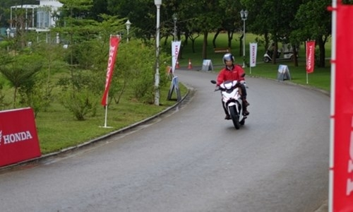 Honda Winner 150: 'Thanh niên' nghiêm túc - ảnh 8