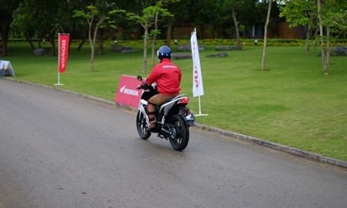 Honda Winner 150: 'Thanh niên' nghiêm túc - ảnh 9