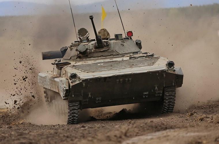 Muc kich xe chien dau bo binh BMP-2 quyet chien du doi
