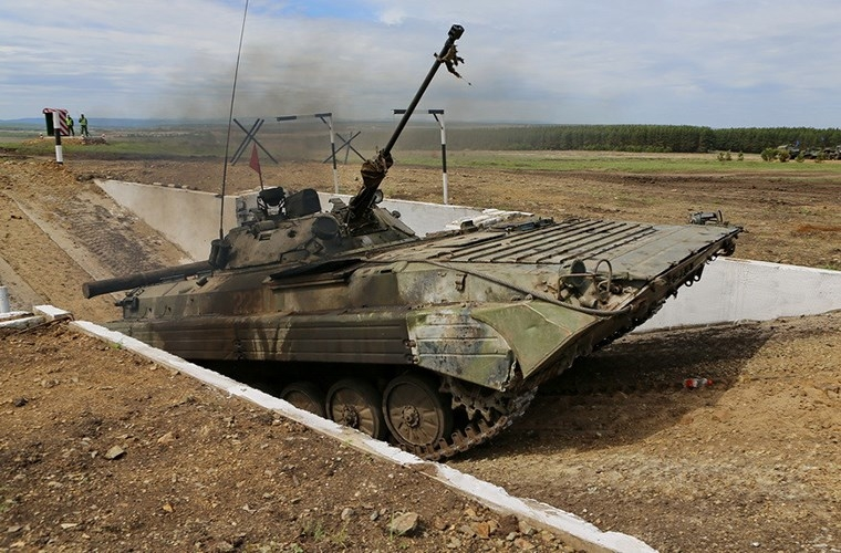Muc kich xe chien dau bo binh BMP-2 quyet chien du doi-Hinh-6