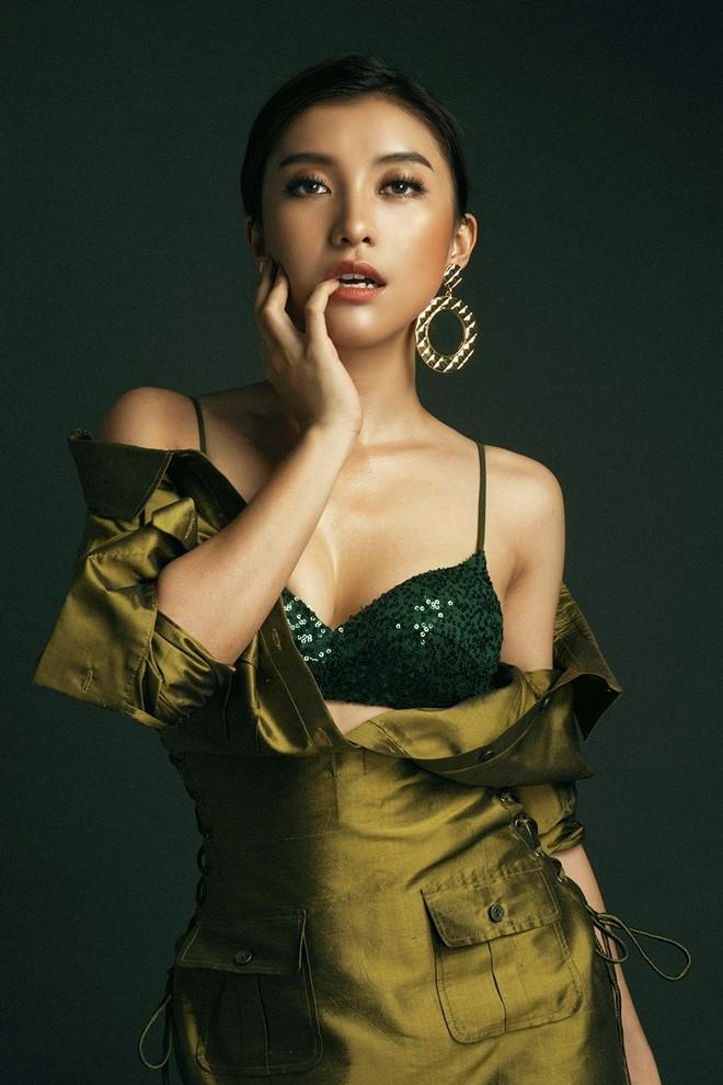 Chau gai Lam Truong lot xac voi phong cach sexy hinh anh 6