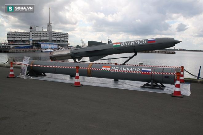 Ấn Độ muốn bán tên lửa BrahMos cho Việt Nam, Trung Quốc phản ứng - Ảnh 1.