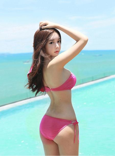 hot-girl-tuoi-30-ba-vong-chun-khong-can-chinh-1