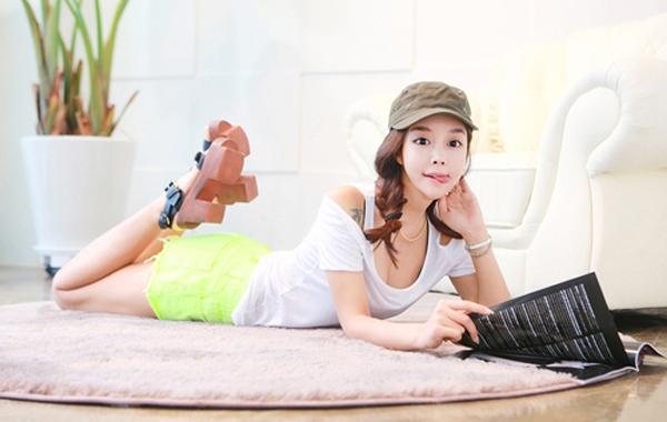 hot-girl-xu-han-ba-vong-chun-khong-can-chinh-3