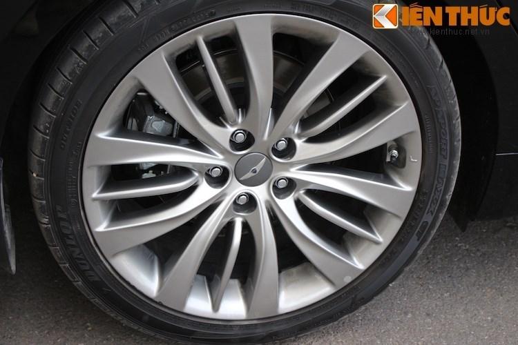 Hyundai Genesis gia 2,5 ty dau tien ra bien trang tai VN-Hinh-7