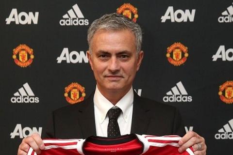HLV Jose Mourinho cach mat nhung cau thu mang quoc tich BDN hinh anh