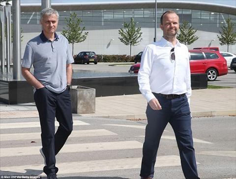 HLV Jose Mourinho cach mat nhung cau thu mang quoc tich BDN hinh anh 2